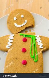 Broken Gingerbread Man Stock Photo 167345951 : Shutterstock