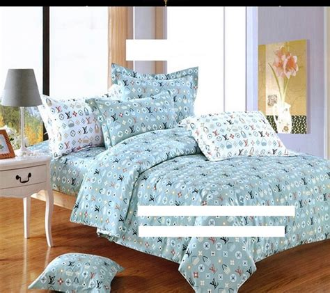 louis vuitton comforter set louis vuitton bedding set lv 11 flickr photo