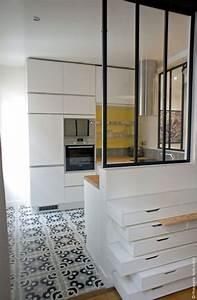 deco salon amenagement salon conseils d39architectes With porte d entrée pvc avec luminaire au dessus miroir salle de bain