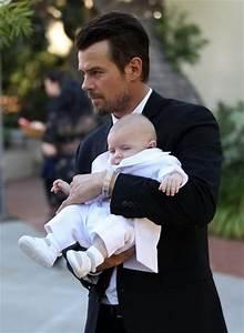 Axl Duhamel in Josh Duhamel & Fergie Take Baby Axl To His ...