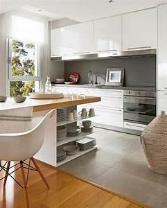 Idee relooking cuisine ilot central en bois avec for Idee deco cuisine avec ilot central cuisine gris