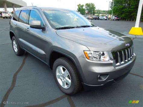 jeep grand cherokee gray 2013 mineral gray metallic jeep grand cherokee laredo 4x4