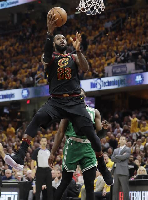 lebron james cavaliers return home  run  celtics