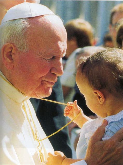 sw jan pawel ii  dziecmi przedszkole katolickie