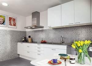 Rivestimento cucine piastrelle divani colorati moderni for Rivestimento cucina piastrelle