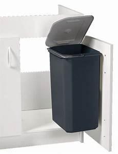 Conteneur Poubelle Brico Depot : poubelle en plastique d 39 un volume de 23 l en h 45 cm l 29 cm p 24 cm brico d p t ~ Melissatoandfro.com Idées de Décoration