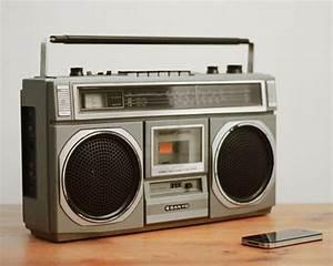 Newman Radios Revitalizes Vintage Bluetooth Loudspeakers