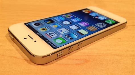 white iphone 5 iphone 5 white look pindigit