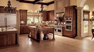 Oak Kitchen in Cognac - KraftMaid