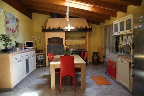 Cucina Con Camino by Cucina In Muratura Con Camino Bbq Camini Fai Da Te