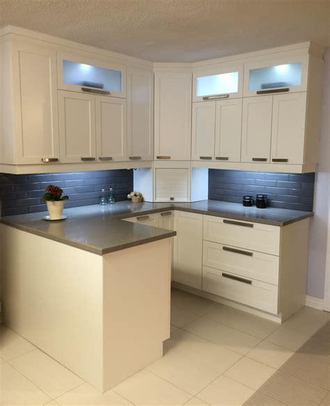 refaire les armoires de cuisine cuisibudget armoires de cuisine et replaquage région de