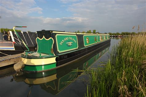 Living On A Boat Uk by Uk Houseboats A Typical Day On Board Living On A