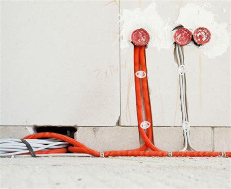 kabel unterputz verlegen tipps zum stromkabel verlegen ab durchs leerrohr bauen de
