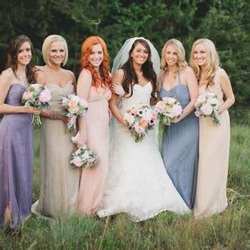 Vestidos para damas de boda en colores rosa y morado