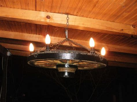 wagon wheel chandelier diy home eye
