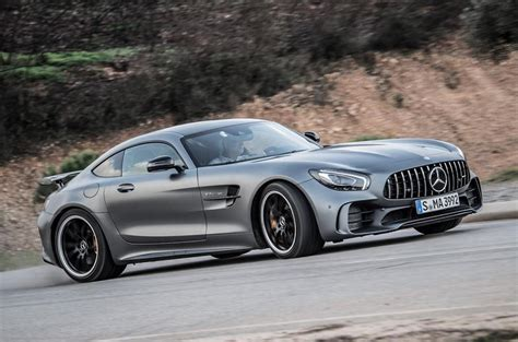 The sls amg gt is an incredibly fast and rare supercar that harkens back to the gullwings of yore. 2016 Mercedes-AMG GT R review review | Autocar