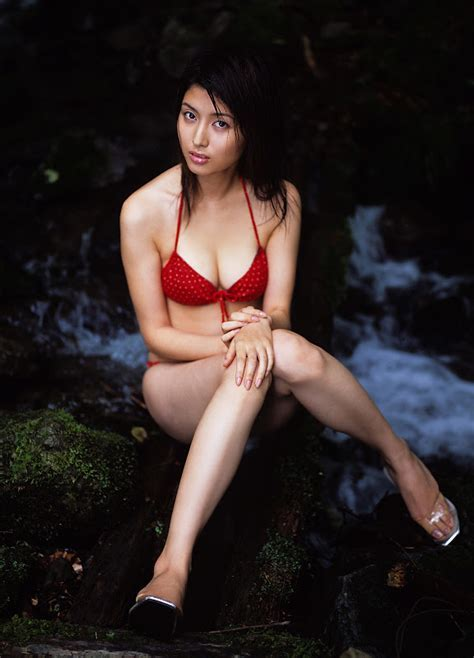 Manami Hashimoto Sexy Pictures