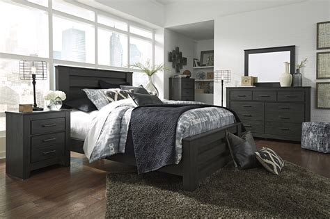 Queen Size Ashley Furniture 4pc Bedroom Set  Hot Sectionals