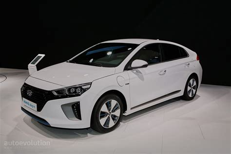 Hyundai Ioniq Hybrid, Plugin And Electric Debut In Geneva