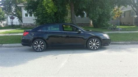 online auto repair manual 2011 chrysler 200 engine control sell used 2011 chrysler 200 s sedan 4 door 3 6l navigation great gas mileage new tires wow in