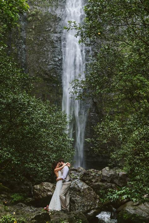 kauai hawaii hanakapiai waterfall elopement hike