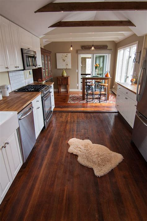 A Cape Cod Fixer Upper Becomes a Fantasy Beach House