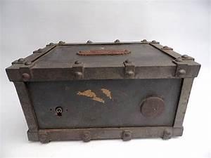 Coffre De Voyage : coffre de voyage l 39 incombustible de bauche vers 1860 1870 catawiki ~ Medecine-chirurgie-esthetiques.com Avis de Voitures
