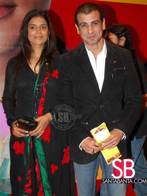jaane tu jaane na premiere ronit roy  wife picture