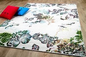 Teppich Bunt Modern : designer teppich funky blumen modern creme bunt teppiche designerteppiche funky teppiche ~ Frokenaadalensverden.com Haus und Dekorationen