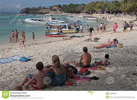 bahia de la seta en la isla de nusa lembongan bali foto