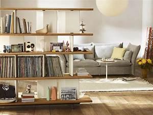 Kleine Wohnung Optimal Einrichten : regal als raumteiler im wohnzimmer ~ Markanthonyermac.com Haus und Dekorationen