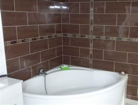 poser du carrelage mural dans une poser du carrelage dans une salle de bain mgr