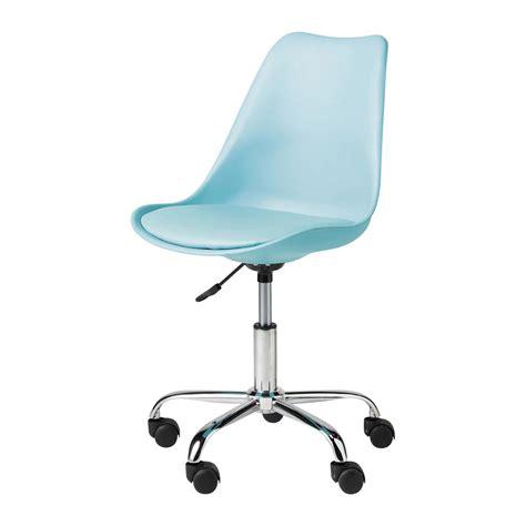 chaise et bleue chaise de bureau bleue bristol maisons du monde