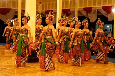 Fungsi dan teknik memainkan alat musik tradisional (video pembelajaran seni budaya). Sejarah Tari Serimpi   Asal, Fungsi, Gambar, Video, Kostum Lengkap