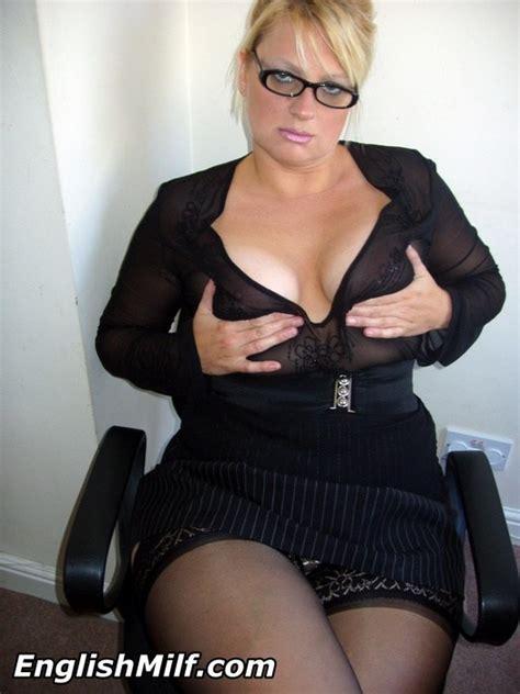 daniella english wearing nylons showing her butt