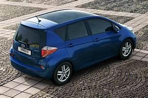 Toyota Verso Dimensions : toyota verso s 2011 2013 photos parkers ~ Medecine-chirurgie-esthetiques.com Avis de Voitures
