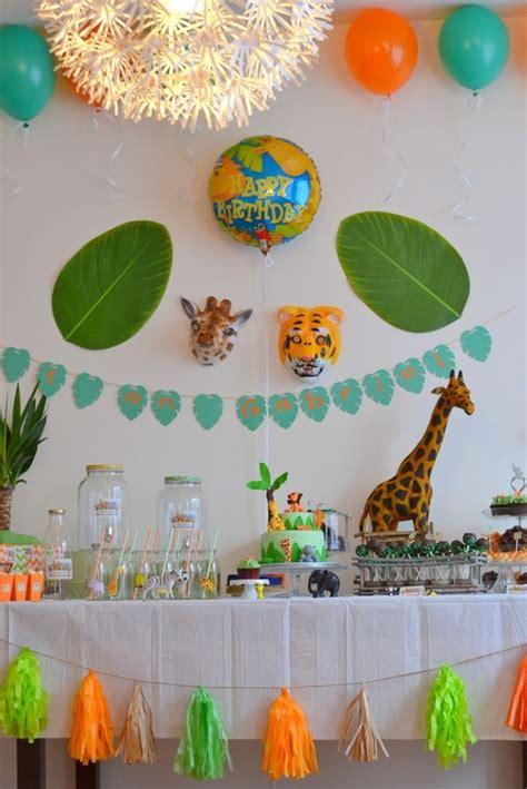 decoration animaux de la jungle les 25 meilleures id 233 es de la cat 233 gorie premier anniversaire de gar 231 on sur photos de