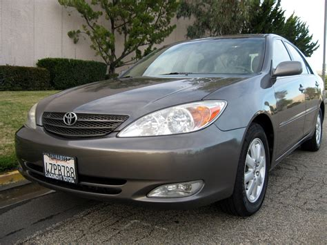 2003 Toyota Camry Photos, Informations, Articles