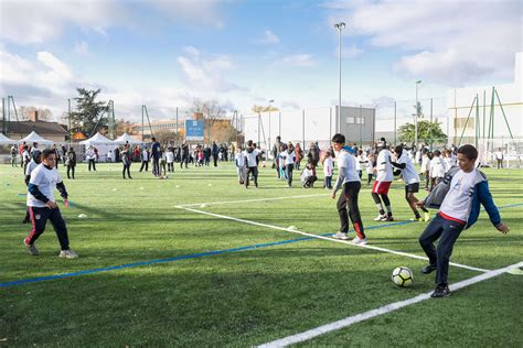 32th football pitch opening in bondy sport dans la ville