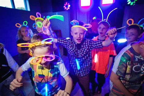 cool kids disco party our most popular party dna kids
