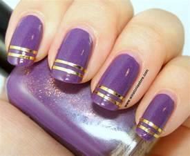 Double striped nail art winstonia