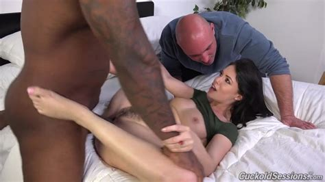 Sexy Slutwife Enjoying Hardcore Interracial Sex In Front