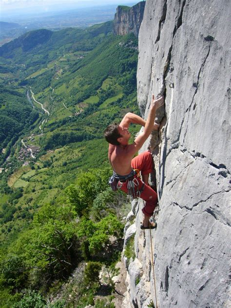Dear Intimidated First Time Rock Climbers You Got This