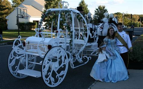 bee tree trail cinderella carriage and wagon tours