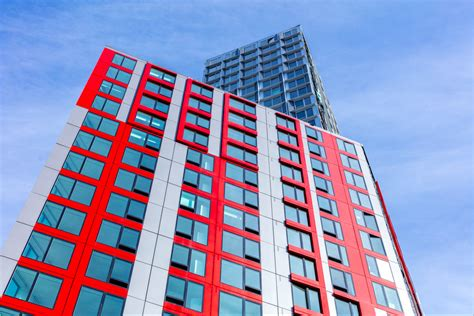 brooklyns modular tower  pacific park welcomes   residents curbed ny
