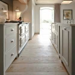 holzboden küche holzboden in der küche 18 stilvolle designs für jeden geschmack