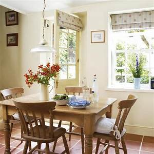 Country cottage dining room dining rooms dining room for Country cottage dining room ideas