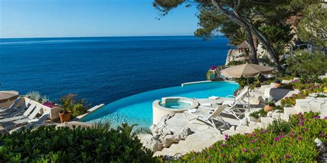 h 244 tel avec jardin 224 cassis les roches blanches 4 233 toiles