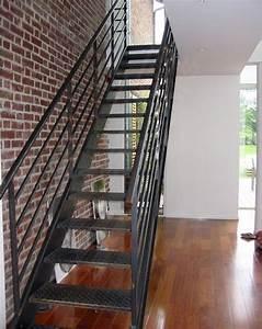 Escalier Métallique Industriel : photo dt34 esca 39 droit escalier droit m tal au design industriel marches en t le larm e anti ~ Melissatoandfro.com Idées de Décoration