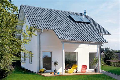 Terrasse Am Haus by Haus Mit 252 Berdachter Terrasse E 15 108 6 Schw 246 Rerhaus